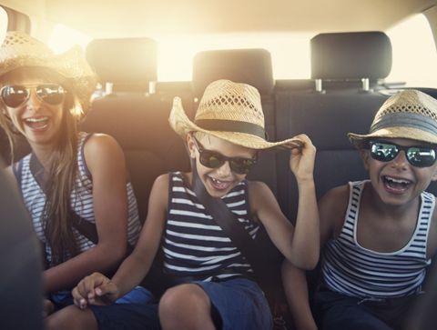 10 trucs pour occuper vos enfants en voiture, dans le train ou l'avion