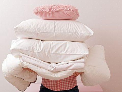 A quelle fréquence laver ses couettes et oreillers ? -  Quelle routine d'entretien pour le linge de maison ?