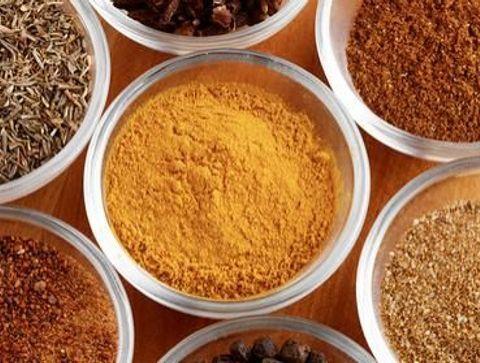 Nutrition: les bienfaits des épices et des herbes aromatiques
