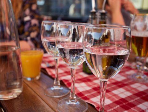 Hydratez-vous  - 8 astuces pour éviter la gueule de bois