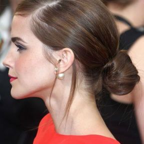 Le chignon bas d'Emma Watson