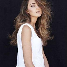 Coiffure cheveux longs femme