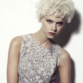 Coloration cheveux blond clair Mario Lopes 2014