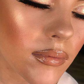 Le gloss + crayon à lèvres