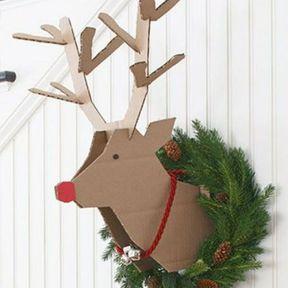Transformer votre carton en décoration « cerf de Noël »
