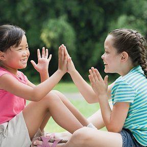 Changement d'école : rester en contact avec les copains d'avant