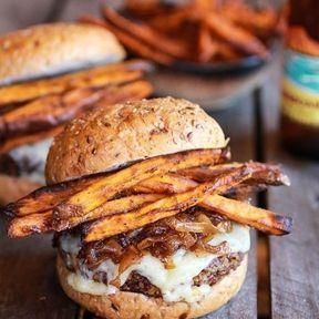 Le burger patate douce et oignons