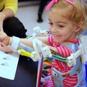 Redonner la possibilité de bouger à des enfants paralysés