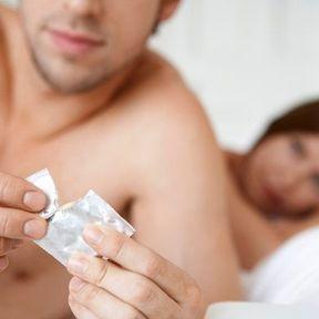 Le sperme peut-il transmettre des infections sexuellement transmissibles ?